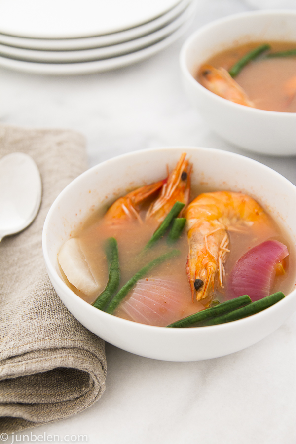 How To Make Sinigang Na Hipon Sa Sampalok Shrimp Tamarind Soup Junblog